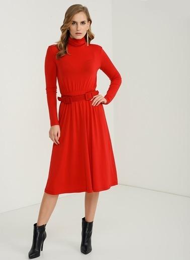 Belden Büzgü Detaylı Elbise-People By Fabrika